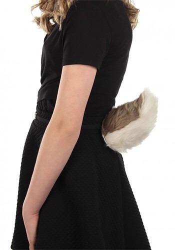 Perky Goat Tail